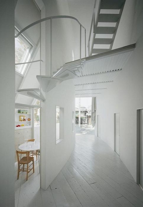 O House. Белоснежный интерьер.
