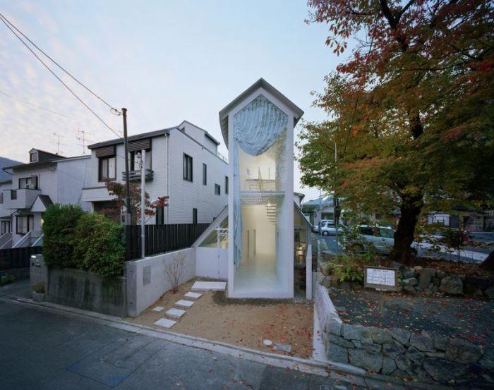 O House - необычный дом с фасадом-башней.