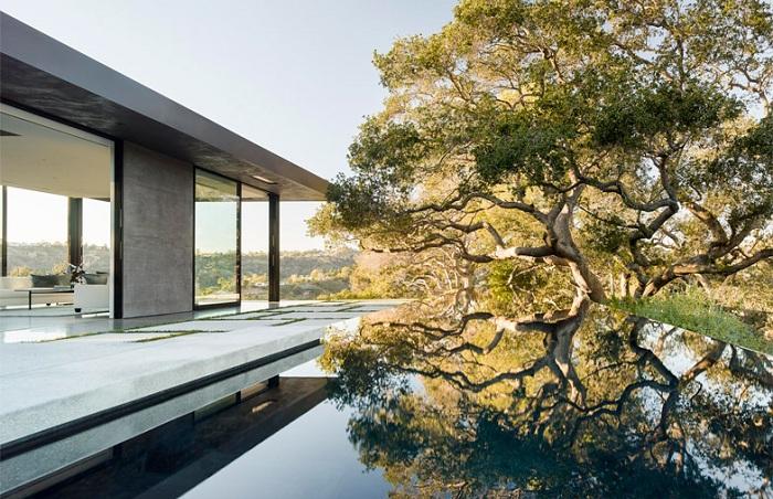 Oak Pass House - особняк с 23-метровым бассейном.