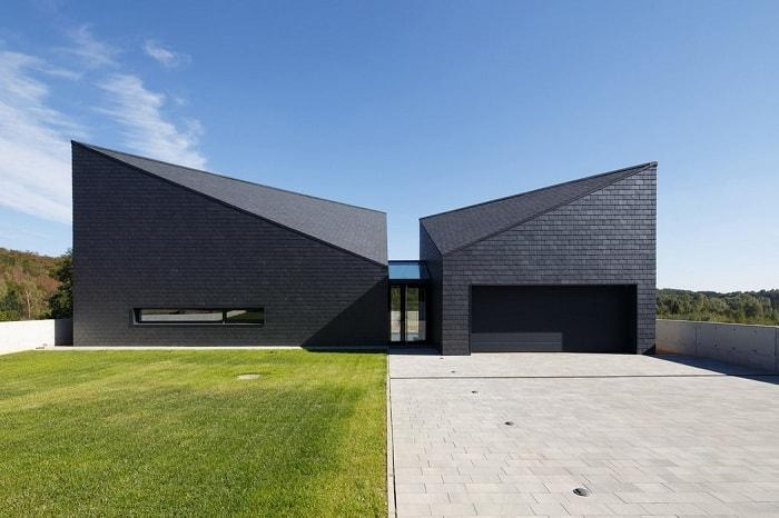 Жилой дом с необычной геометрией, расположенный в Krotoszowice (Польша).