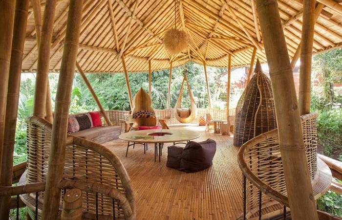 Вилла из бамбука, спроектированная дизайнером Elora Hardy.