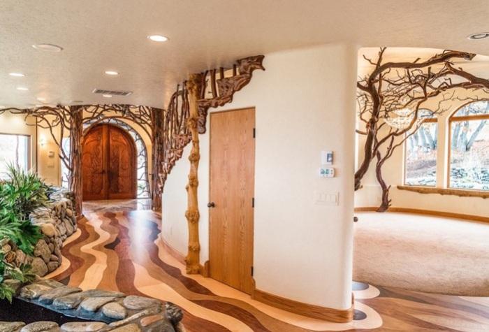 Shining Hand Ranch. «Волнистый», деревянный пол.