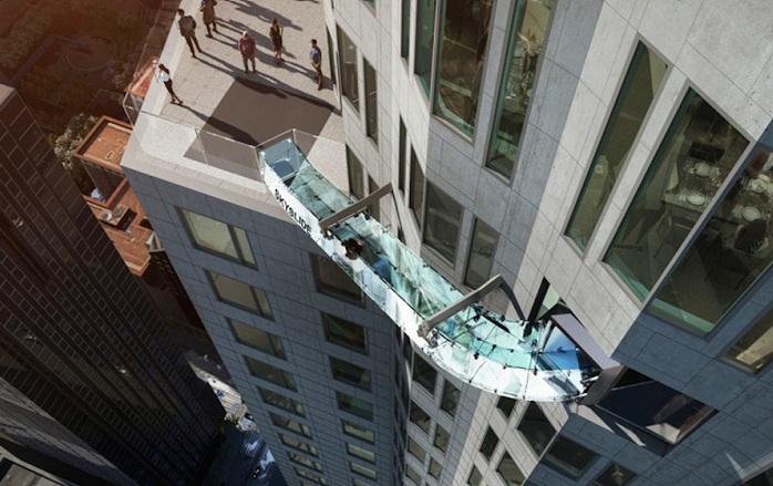 На небоскребе построят стеклянную горку.
