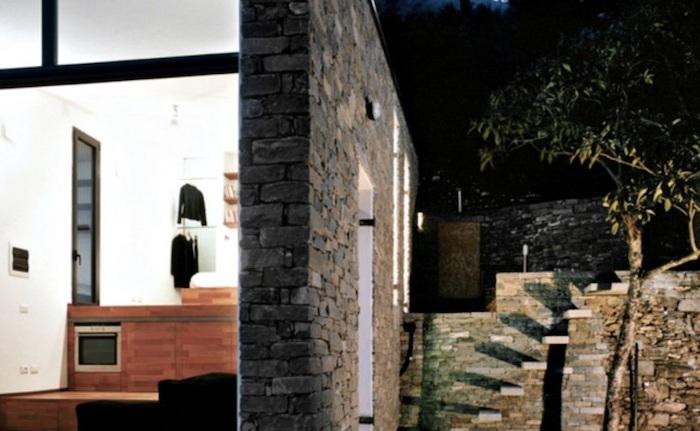 Tre Livelli - домик, интегрированный в холм.