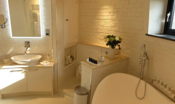 Ванная комната в мини-отеле.
