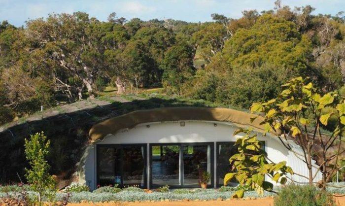 Подземный дом в Австралии.