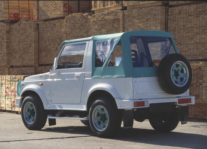 Виновник скандала – внедорожник Suzuki Samurai 1988 года.