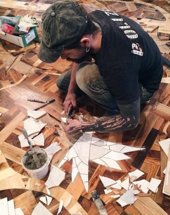 «Птицы» делаются из керамической плитки.