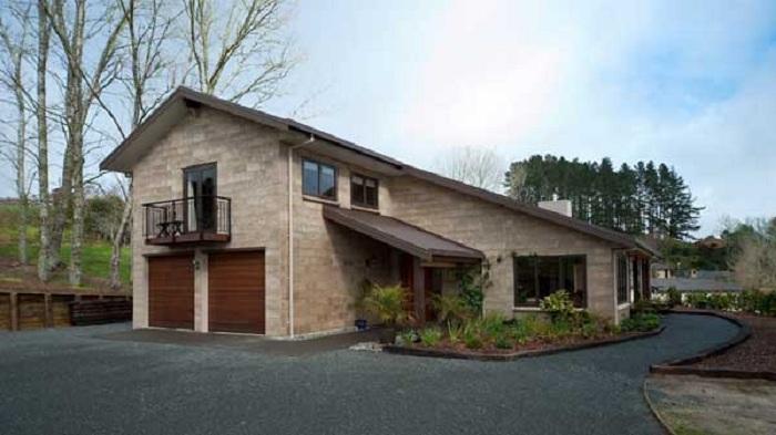 Дом, построенный из опилкобетона.