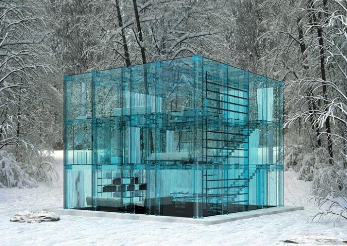 Snow House - домик из прозрачного стекла.