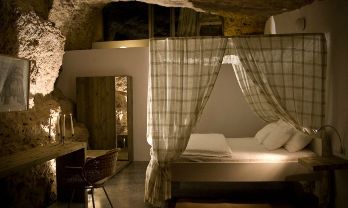 Cuevas del Pino. Спальня.
