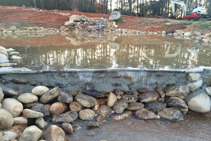 Перепад высот для создания водопадов. | Фото: imgur.com/a/5JVoT#R7pfR1j.