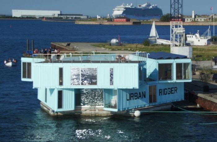 Urban Rigger - общежитие из контейнеров на воде в Копенгагене.