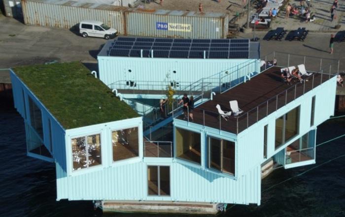 Urban Rigger - модульное жилище из контейнеров на воде.