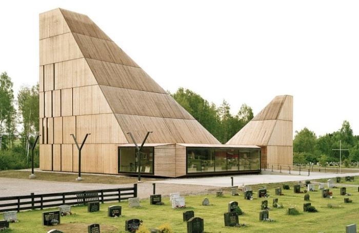Нестандартная церковь в Норвегии.