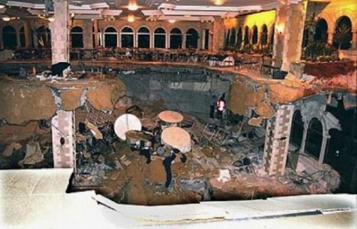 3-й этаж ресторана «Версаль» обвалился из-за отсутствия внутренней стены.