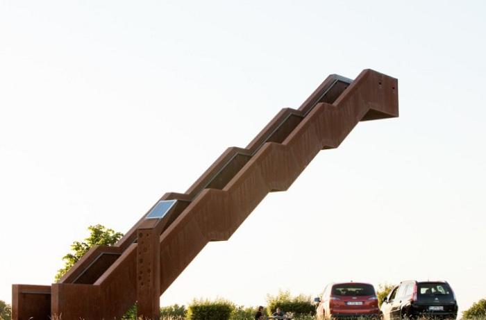 Лестница, которая не падает.