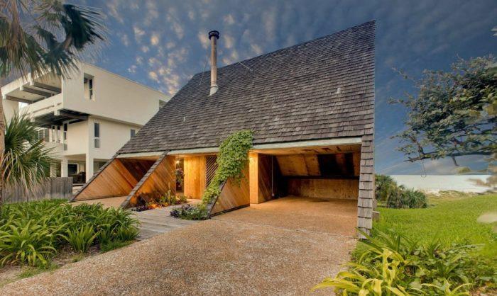 Дом в виде склона.