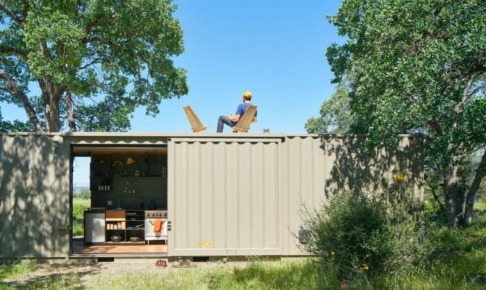 Дом из двух контейнеров - дешево и быстро.