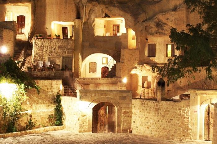 Yunak Evleri - 5-звездочный отель, расположенный в древних пещерах.