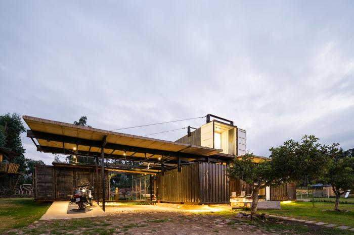 Проект дома архитектора Daniel Moreno Flores.