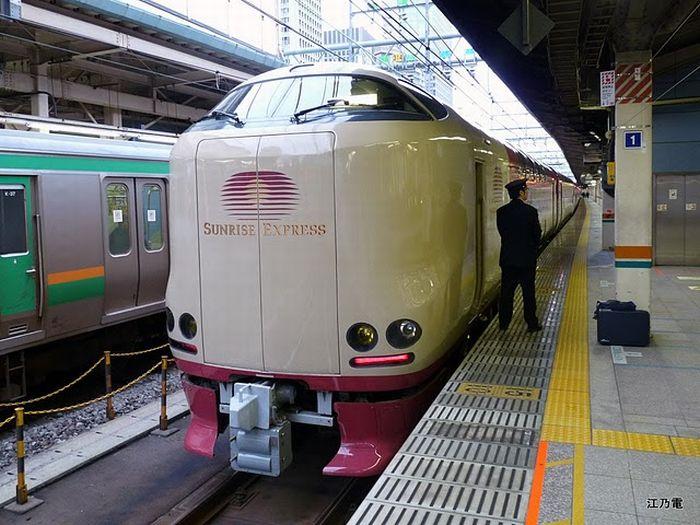 Sunrise Izumo/Seto - ночной японский поезд. | Фото: eggs.com.ua.