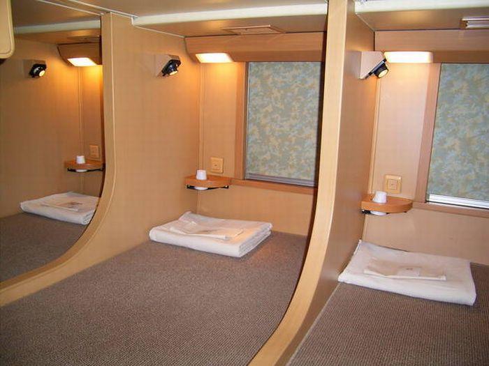Плацкартные места в поезде Sunrise Izumo/Seto. | Фото: eggs.com.ua.