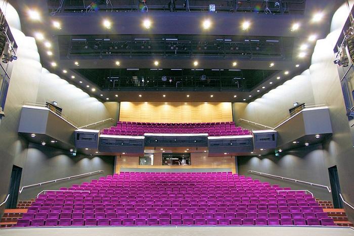Концертный зал the Princess Royal Theatre.