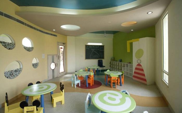 Aadharshila Vatika. Внутреннее оформление детского сада.