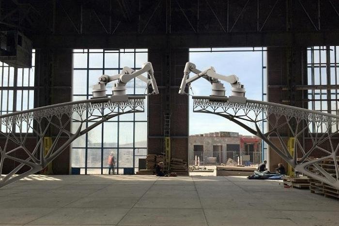 Строительство моста при помощи 3D-принтеров.