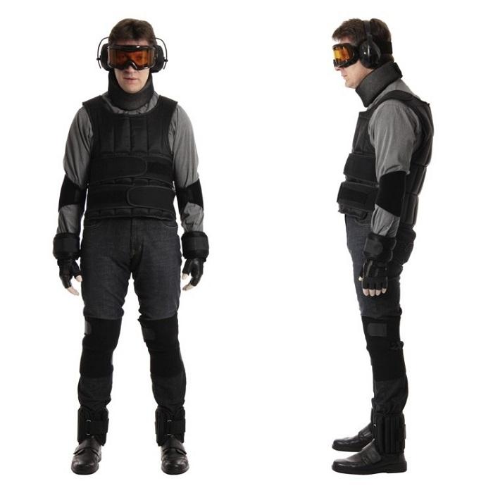 Костюм симуляции возрастных изменений GERT. | Фото: аge-simulation-suit.com.