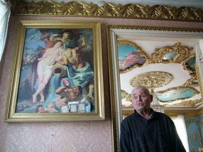 Владимир Филиппович Акулов - мастер-резчик, создавший поразительную красоту в собственном жилье.