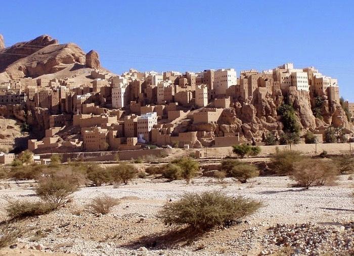 Al-Hajarayn - одно из древнейших поселений в Йемене.