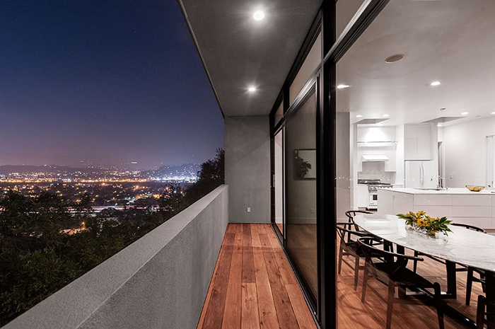 Car Park House - дом на обрыве с видом на Лос-Анджелес.