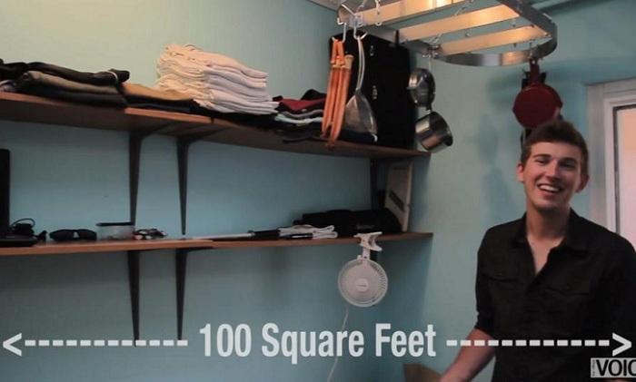 Парень снимает «апартаменты» площадью 9 кв. метров.