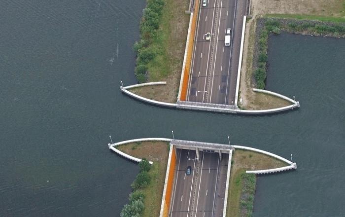 Aqueduct Veluwemeer - прекрасный пример современной инженерии.