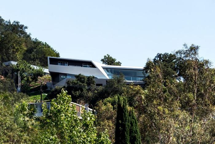 MU77 - дом на Голливудских холмах.