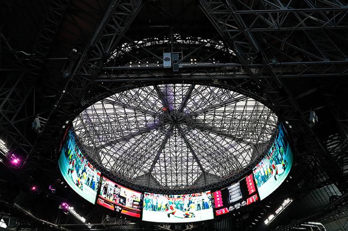 Арена стадиона Mercedes-Benz.