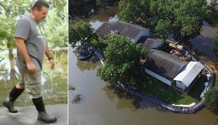 Мужчина купил пластиковую трубу, чтобы защититься от наводнения.
