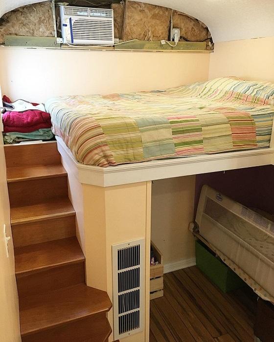 Спальное место в доме-автобусе.