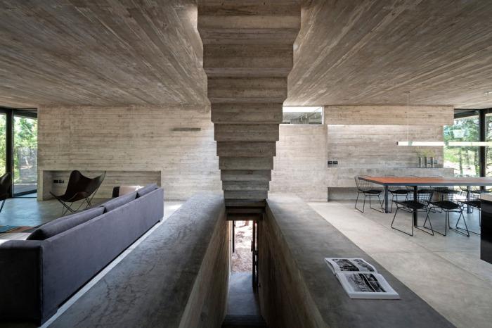 Лестница как самостоятельный элемент декора.