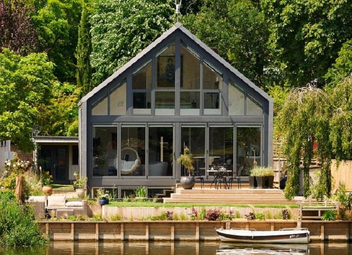 Архитекторский проект дома-амфибии от компании Baca Architects.