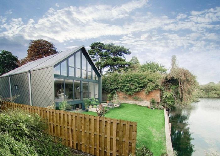 Amphibious housе - дом, которому не страшны сезонные паводки.