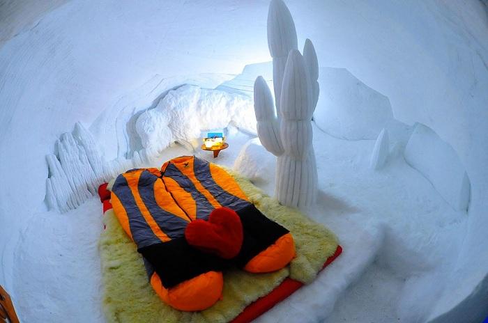 Отель, вырытый в снегу.