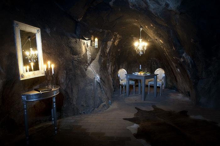 Подземный отель.