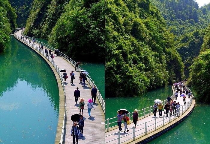 Пешеходная дорожка в китайской провинции Хубэй.