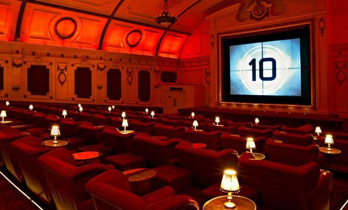 Electric Cinema - лондонский кинотеатр.