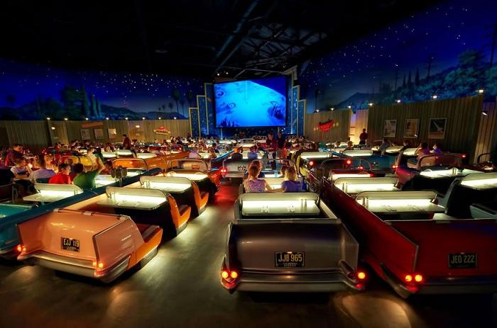Тематический кинотеатр, расположенный в студии Дисней в Голливуде.