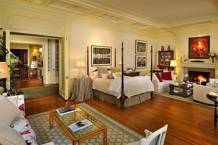 Playboy Mansion. Спальня.
