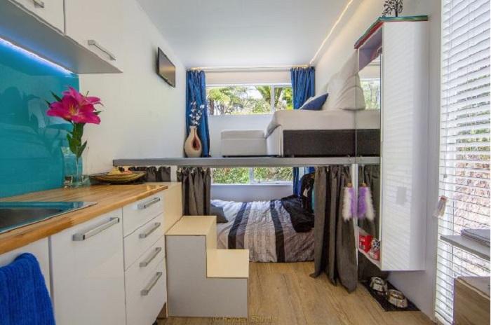 Продуманный интерьер в доме площадью 10 квадратных метров.